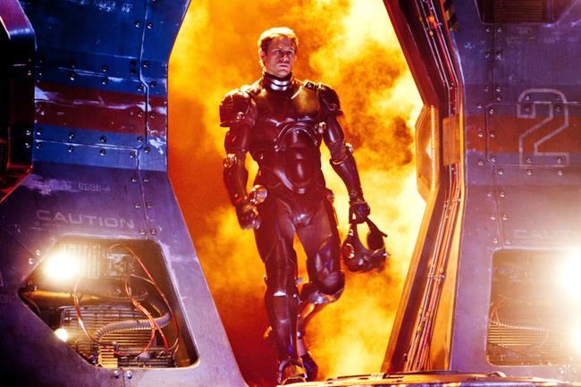 Charlie Hunnam in una foto promozionale di Pacific Rim