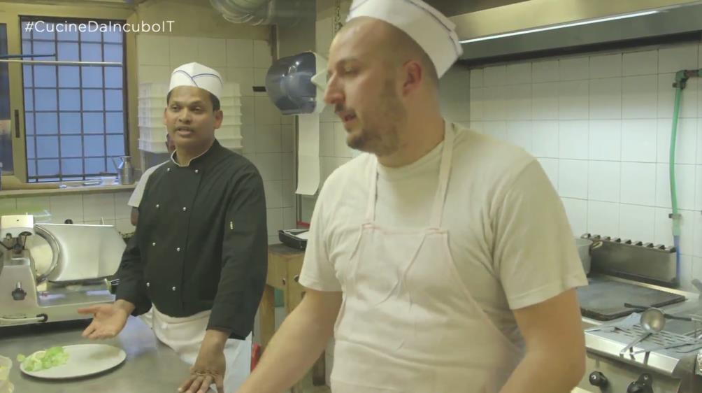 Cucine da incubo s03e03 episodio 3 la fontanina foxlife - La piazzetta cucine da incubo ...