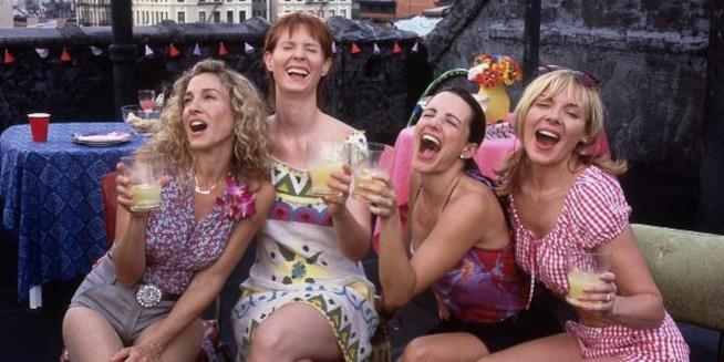 Le protagoniste di Sex and the City a una festa in terrazza