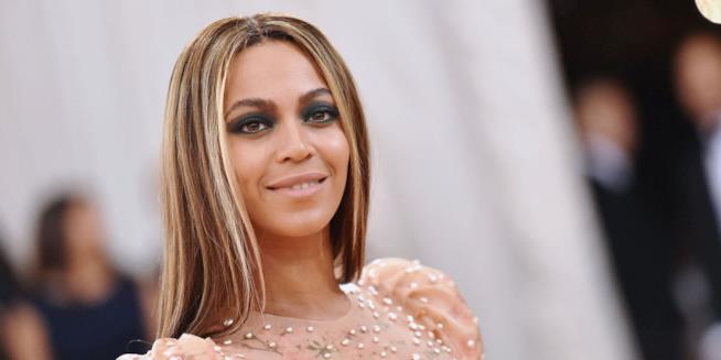Beyoncé ha partorito: sono nati i due gemellini