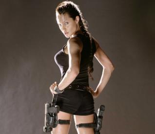 Angelina Jolie nei panni di Lara Croft in Tomb Raider