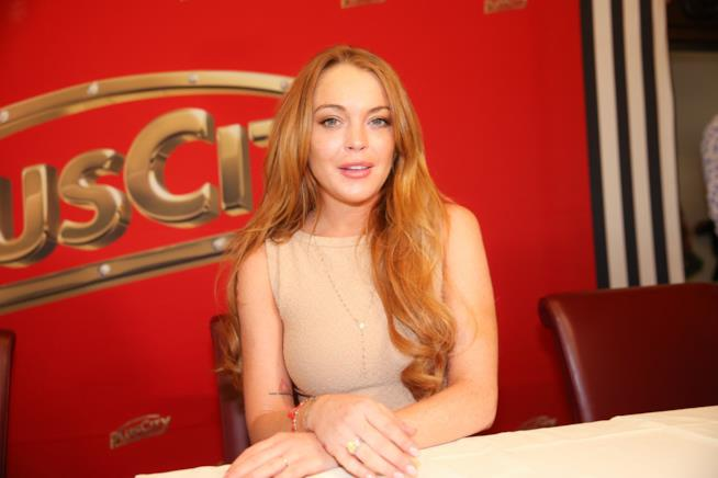 Lindsay Lohan incidente in barca, dito mozzato VIDEO