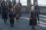 Daenerys Targaryen e la sua corte in Game of Thrones 7