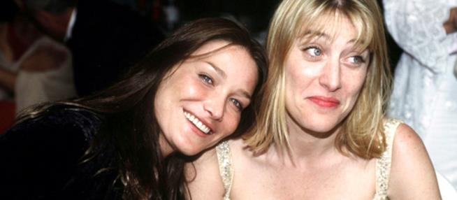 Carla Bruni e Valeria Bruni Tedeschi in una loro vecchia foto
