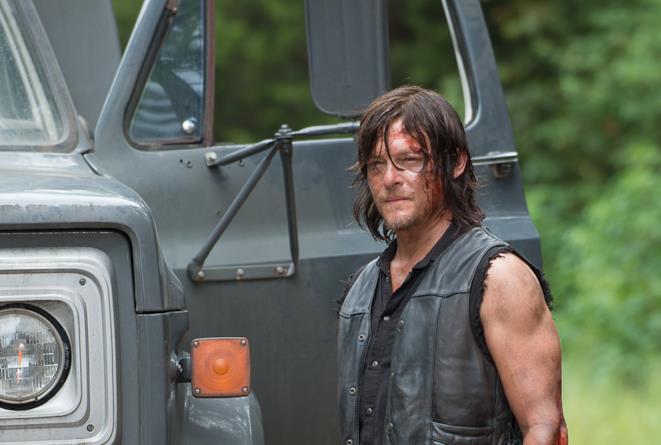 Norman Reedus (Daryl Dixon) sul set di The Walking Dead 6x09