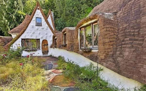 Uno scorcio del cottage di Biancaneve che sorge a Olalla