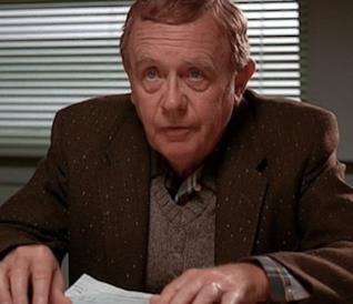 Warren Frost nei panni di Will Hayward sul set de I Segreti di Twin Peaks