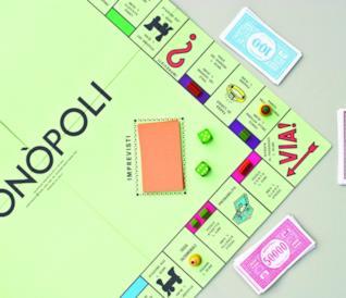 Il tabellone del Monopoly durante una partita
