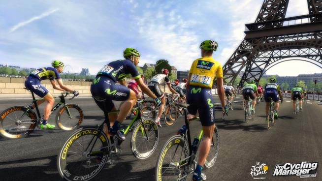Ciclisti in corsa in uno scatto in-game di Tour de France 2017