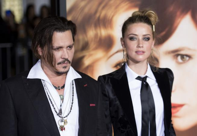 Amber Heard rivela: Johnny Depp si è amputato un dito