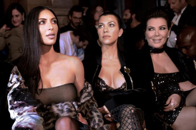 Parigi, Kim Kardashian rapinata in un Hotel