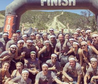 Il cast e la crew di Grey's Anatomy a fine Tough Mudder Race