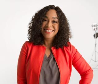 Shonda Rhimes firma una produzione sulla storia delle donne