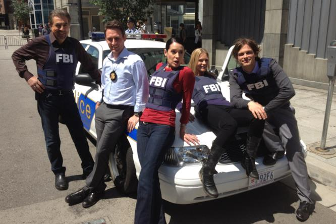 Criminal Minds: il cast ha un modo particolare per prendere il sole nella pause tra una scena e l'altra