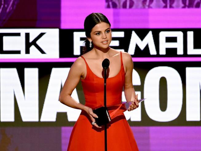 AMA 2016: il discorso toccante di Selena Gomez