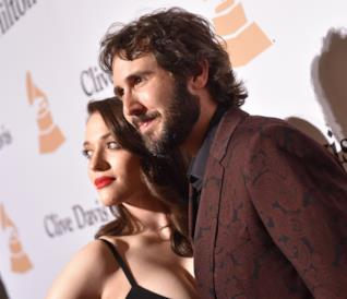 Kat Dennings e Josh Groban ai Grammy 2016