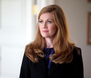Alice Vaughan in primo piano durante il secondo episodio