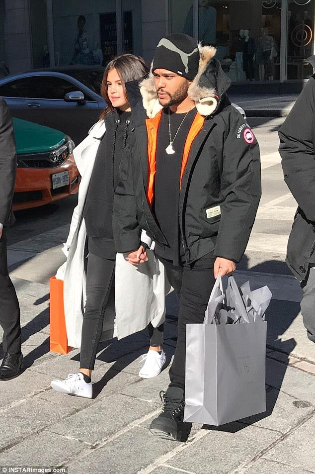 Selena Gomez e The Weeknd in giro per Toronto