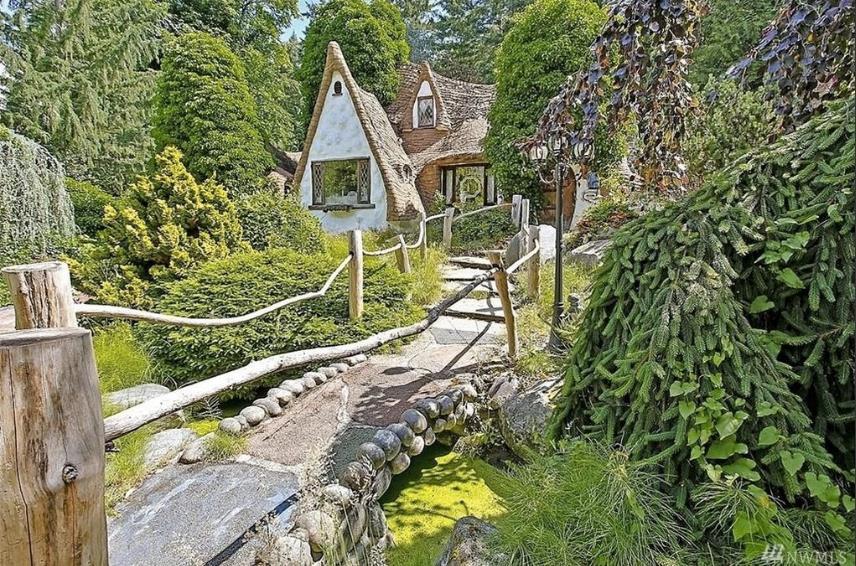 L'esterno del cottage di Biancaneve