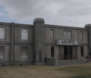 Aprono le porte dell'Hotel di American Horror Story