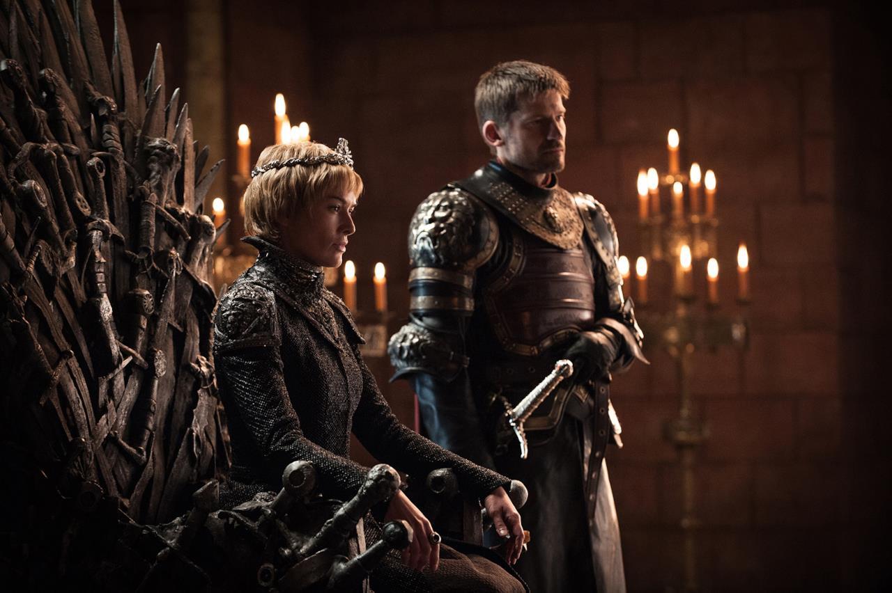 Game of Thrones 7: Cersei e Jaime Lannister nella sala del Trono di Spade nella Fortezza Rossa