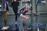 Tania Cagnotto scatenata sul palco del serale di Dance Dance Dance