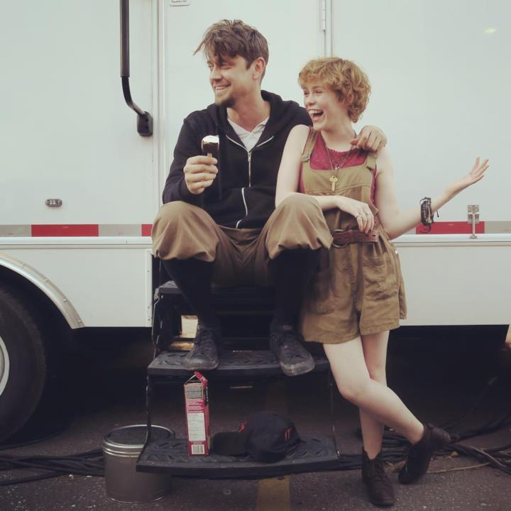 Il regista Andy Muschietti con Sophia Lillis