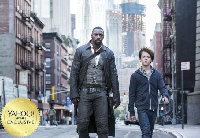 Idris Elba e Tom Taylor in La Torre Nera