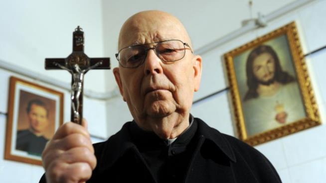 Padre Amorth, addio alle#39;esorcista aveva 600 richieste di riti al giorno