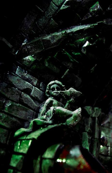 Statua nelle fogne di Derry