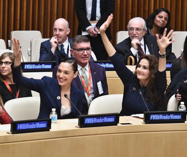 Lynda Carter e Gal Gadot all'ONU
