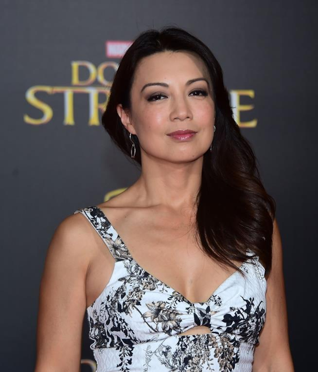 Ming-Na Wen in primo piano