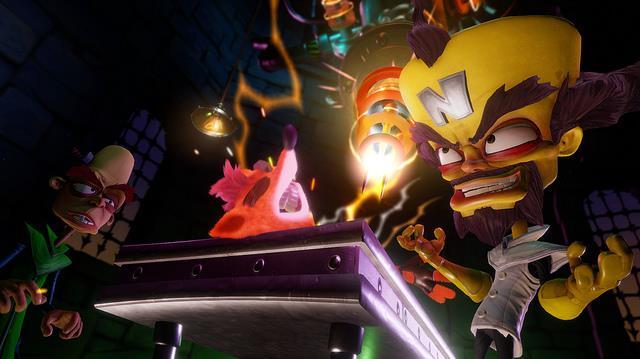 Il Dr. Cortex tortura Crash in Crash Bandicoot N.Sane Trilogy