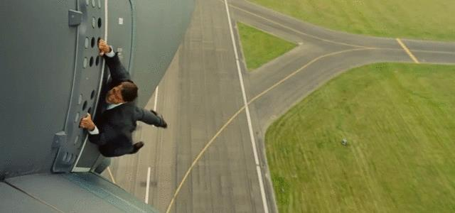 Tom Cruise in una scena di Mission - Impossible