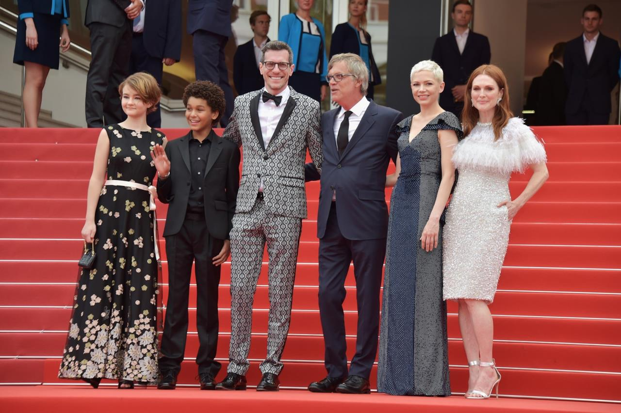 Il cast di Wonderstruck sul red carpet della prima mondiale del film.