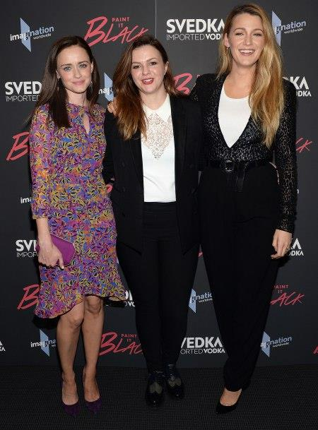 Alexis Bledel, Amber Tamblyn e Blake Lively insieme alla premiere di Paint It Black