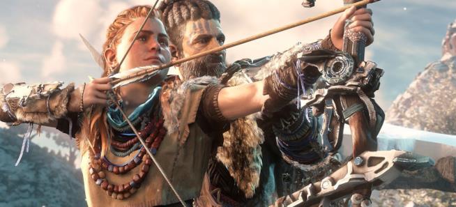 Aloy scocca una freccia in una sequenza di Horizon: Zero Dawn