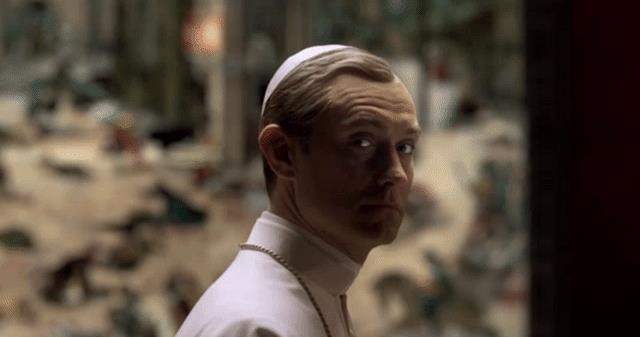 Jude Law nella sigla di The Young Pope