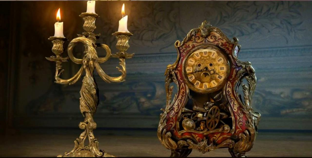 Lumière e Tockins (Cogsworth) nel live-action di La Bella e la Bestia