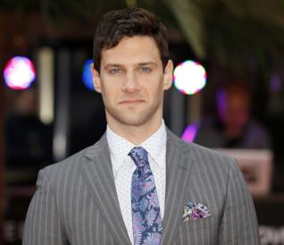 Un elegantissimo Justin Bartha, neo ingresso di The Good Fight