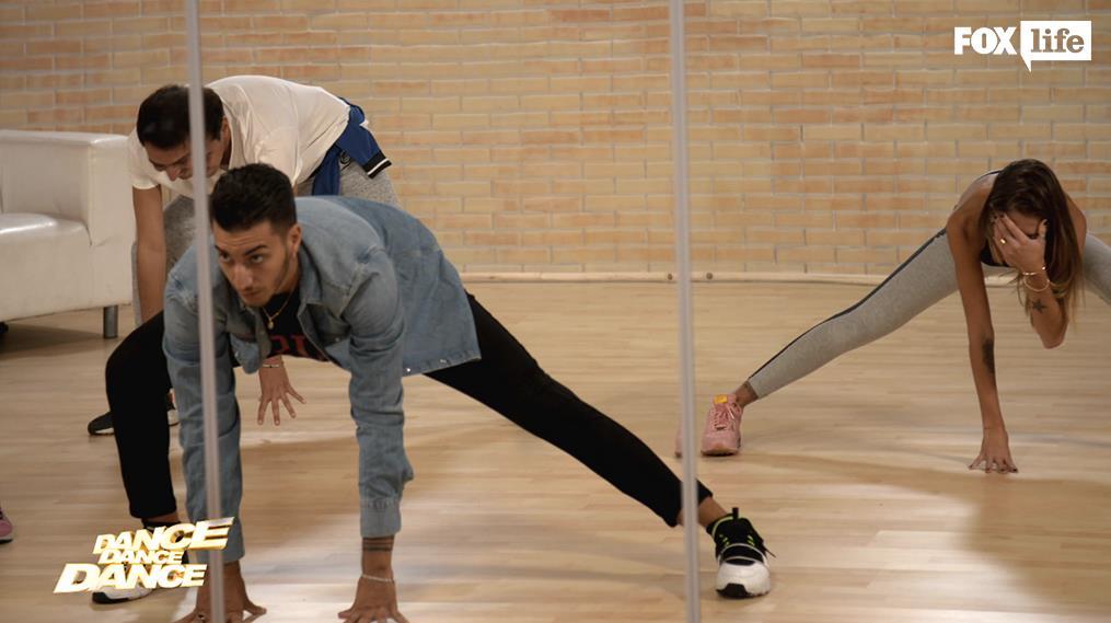 Chiara e Roberto in sala prove con i coreografi
