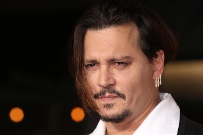 Johnny Depp quasi sul lastrico: spende 2 milioni di dollari al mese