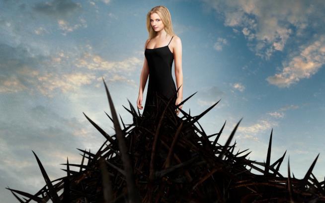 Emily Van Camp nella serie Revenge