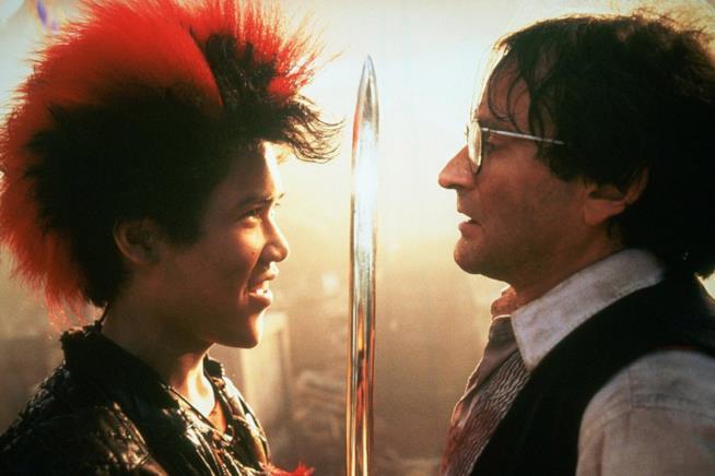 Dante Basco e Robin Williams in Hook Capitan Uncino
