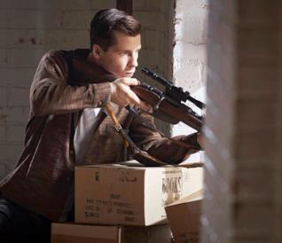 Lee Harvey Oswald è pronto a sparare
