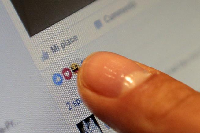Facebook testa le Reazioni in Messenger