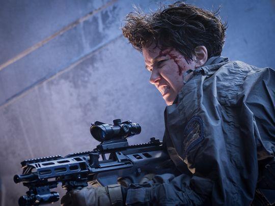 Daniels imbraccia il fucile in Alien: Covenant