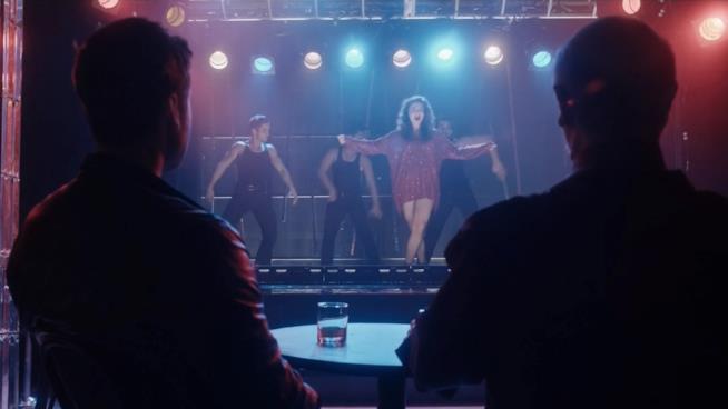 The Blacklist: Redemption, la scena in cui la figlia dell'amico di Scottie canta Britney Spears