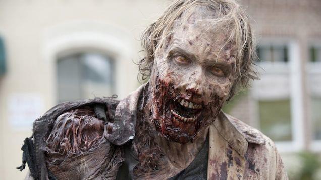 Uno zombie nella serie The Walking Dead