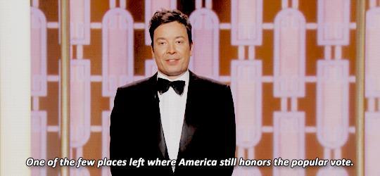 Jimmy Fellon schernisce Trump ai Golden Globes 2017